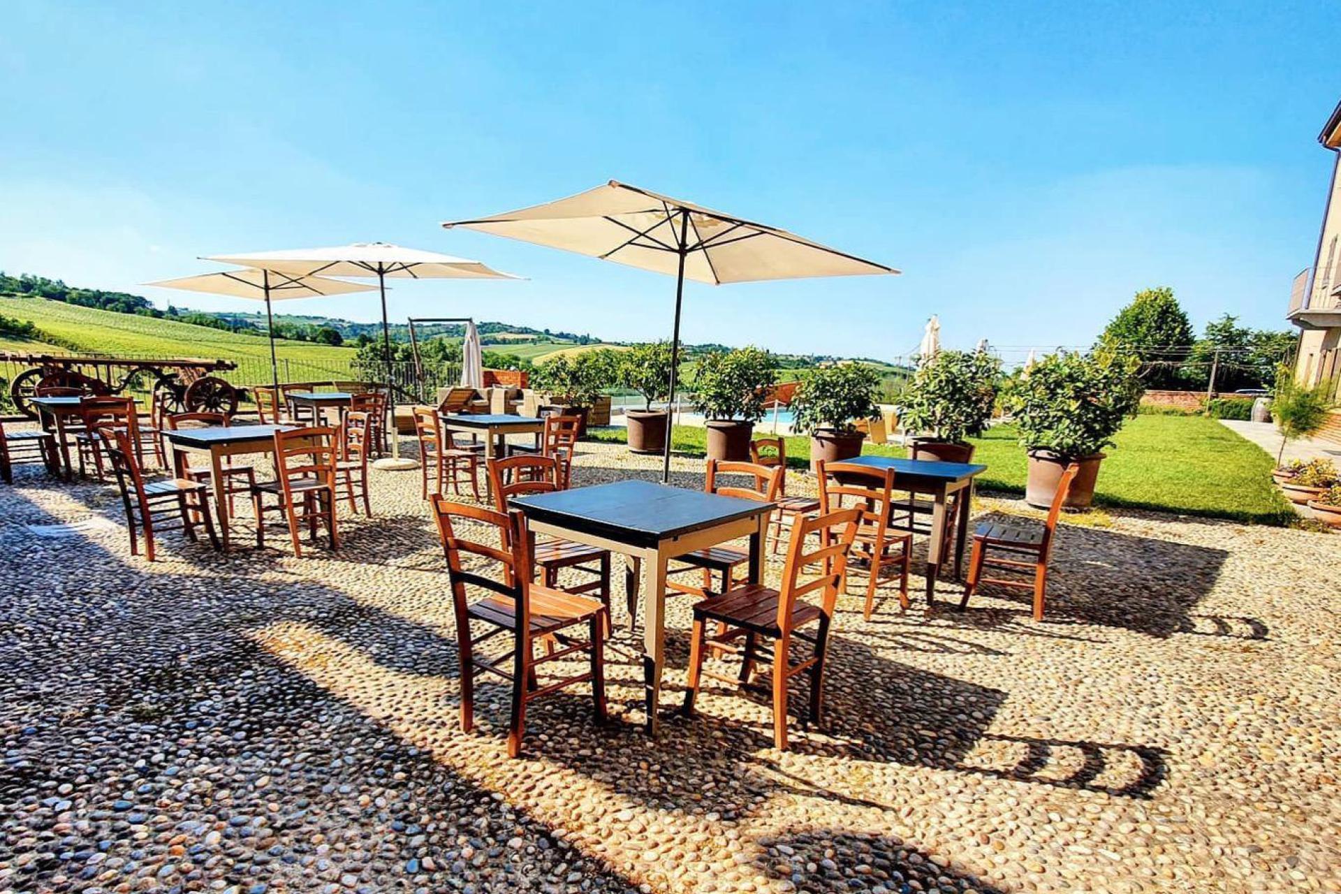 Agriturismo Piemont Agriturismo Piemont, großartige Weine und tolle Küche