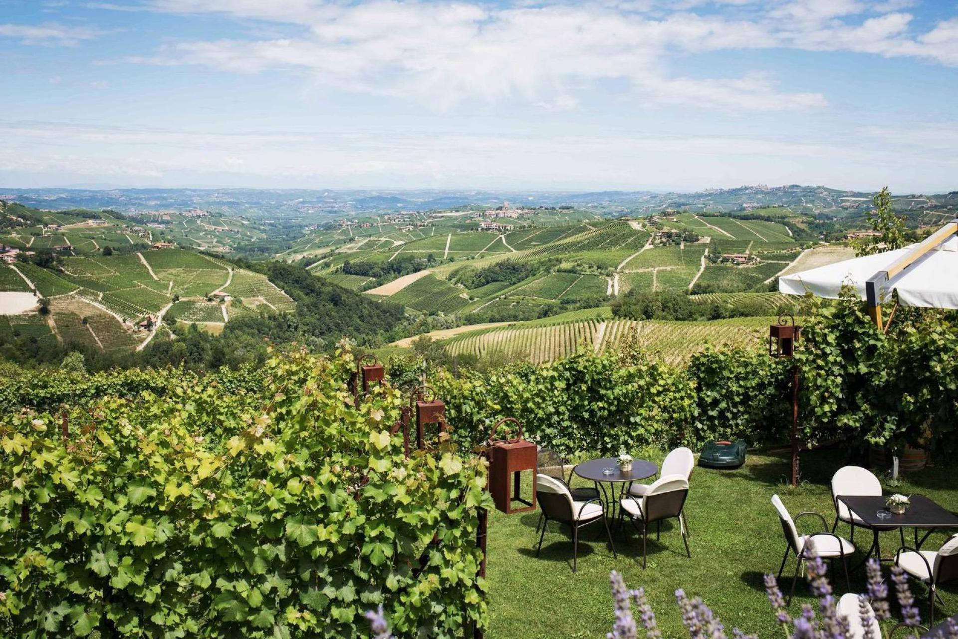 Agriturismo Piemont Agriturismo Piemont, mit großartigen Weinen und Lokal