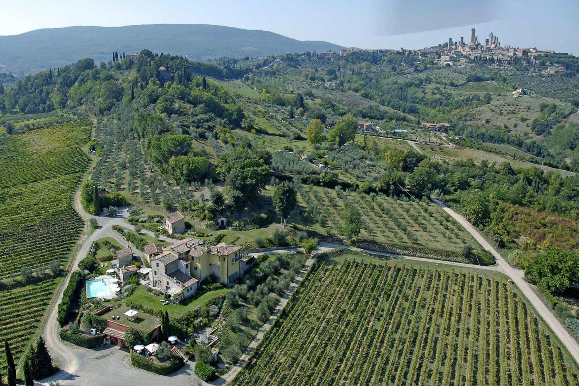 Agriturismo Toskana Kleiner Agriturismo mit Ausblick auf San Gimignano   myitalyselection.de