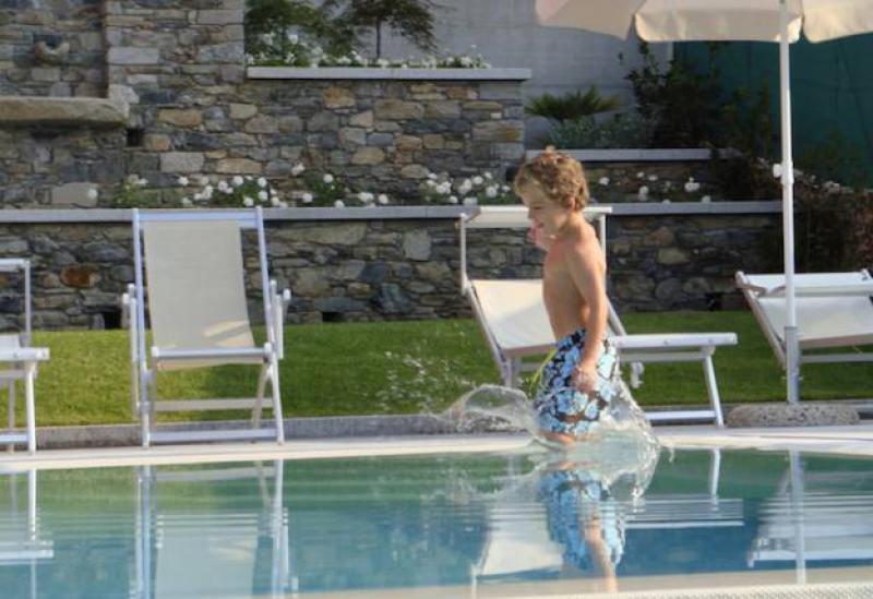 Agriturismo Comer See und Gardasee Ferienanlage Comer See, Pool und toller Blick