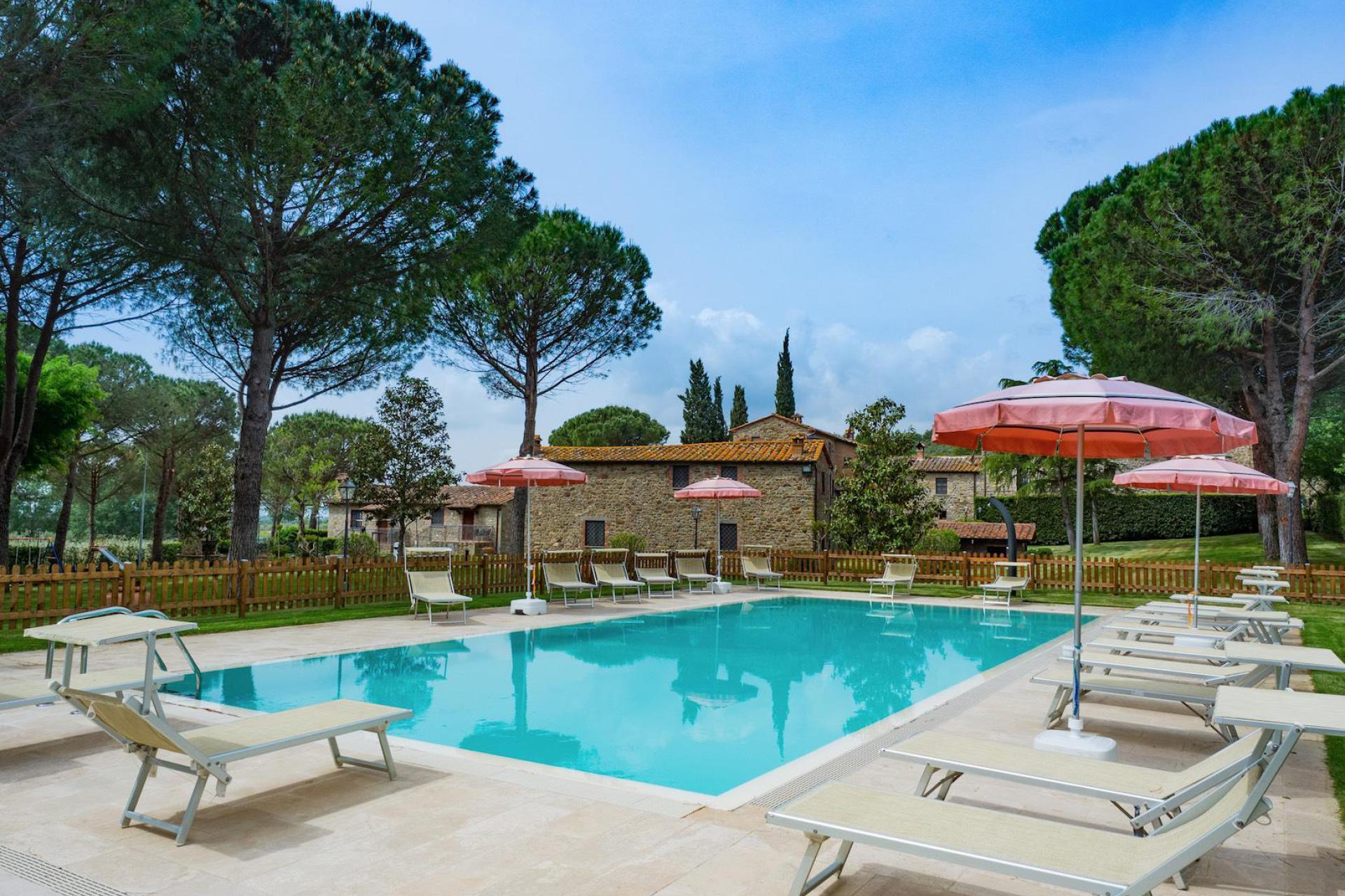 Agriturismo Apulien Trullo mit privatem Pool in Olivenhain